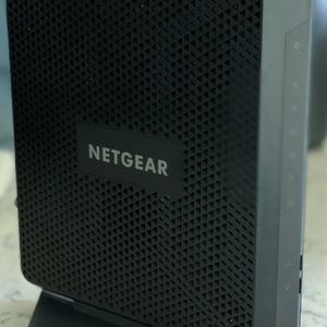 NETGEAR Nighthawk AC1900 WiFi Cable Modem Router for Sale in Houston, TX