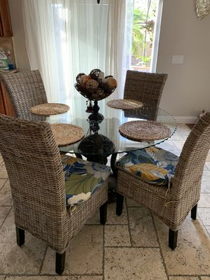 Dinning table w 4 chairs for Sale in Poinciana, FL
