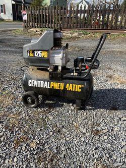 8 Gallon 125PSI Air Compressor for Sale in Pine Grove,  PA