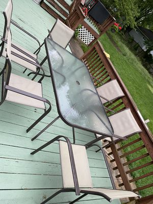 Outdoor dining table and chairs for Sale in Glenarden, MD