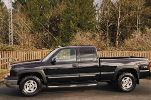 GOOD CONDITION FOR THIS YEAR 2003 CHEVY SILVERADO for Sale in Sterling Heights, MI
