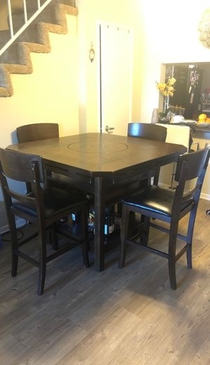 Dining room set for Sale in Los Angeles, CA
