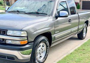 ֆ12OO 4WD CHEVY SILVERADO 4WD for Sale in Hyattsville, MD