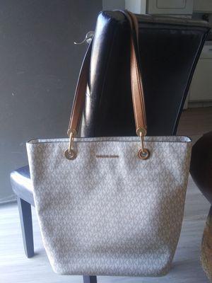Michael kors purse for Sale in Mesa, AZ