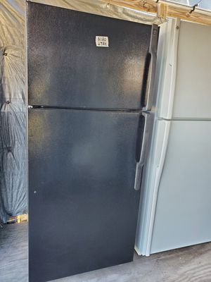 Top freezer refrigerator for Sale in Lake Wales, FL