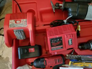 18 Volt Milwaukee tool set in great condition for Sale in Dundee, FL