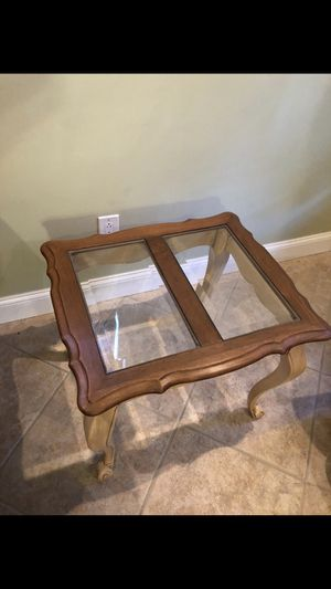 Side table for Sale in Miami, FL