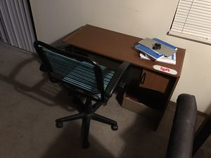 Chair and office desk for Sale in Wichita, KS