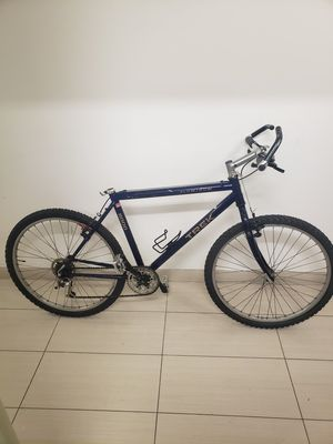 "TREK 8000 26"" mountain bike for Sale in New York, NY"