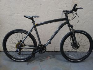 Specialized Rockhopper 21 inch mountain bike 21 speed 26 wheels for Sale in North Miami, FL