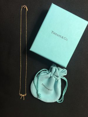 Tiffany & Co. 18kt Gold Bow Necklace for Sale in Turlock, CA