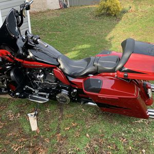 2017 CVO Harley Davidson Street Glide With 131Ci Engine Upgrade Less Then 1000 Miles After Upgrade for Sale in Hyattsville, MD