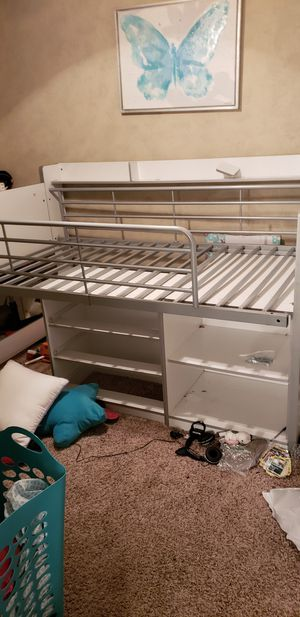 Child's bunk bed for Sale in St. Louis, MO