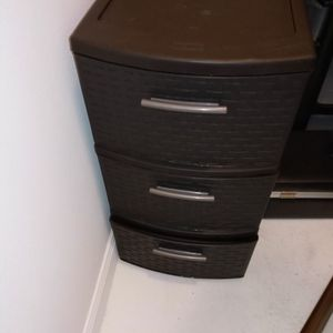 2 Small Plastic Drawers for Sale in Houston, TX
