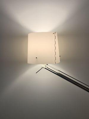 Adjustable floor lamp for Sale in Los Angeles, CA