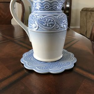 Longaberger Pottery Pitcher with base! Good Condition! for Sale in Manheim, PA
