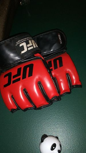 XLarge. UFC fighting gloves for Sale in Greenville, SC