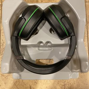 Wireless turtle beach elite 800x headphones. for Sale in Oregon City, OR