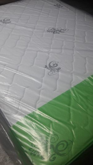 NEW QUEEN MATTRESS AND BOX SPRING for Sale in Tampa, FL