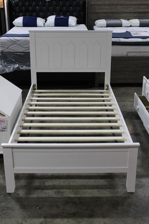 SPL Twin White Platform Bed, 7582-WH for Sale in Norwalk, CA