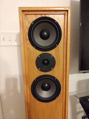 Floor standing two way stereo speakers for Sale in Crestview, FL