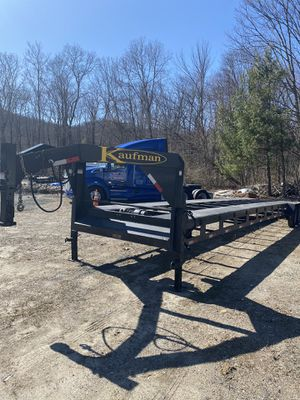2019 Kaufman 3car flat trailer 43ft for Sale in Wolcott, CT