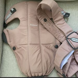 Baby Bjorn Pink Mini Baby Carrier for Sale in Miami, FL