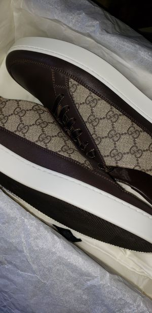 Authentic Gucci Supreme GG Low Top Shoes for Sale in San Diego, CA