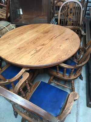 Vintage Solid Oak Round Table for Sale in Upland, CA