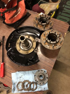1990-95 Toyota 4Runner IFS hubs and spindle for Sale in Chula Vista, CA