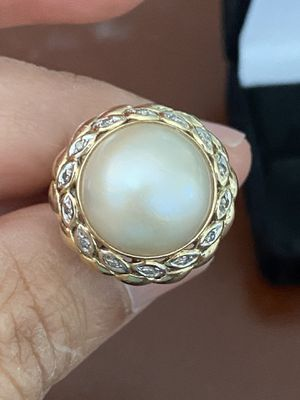14k gold pearl and diamonds ring size 8 for Sale in Weymouth, MA