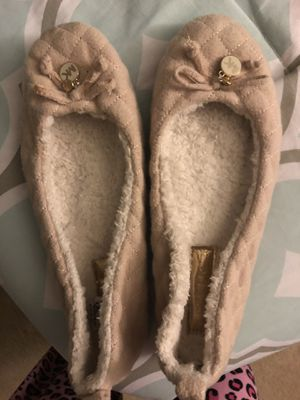 Michel kors sleepers 10.5 size for Sale in Los Angeles, CA