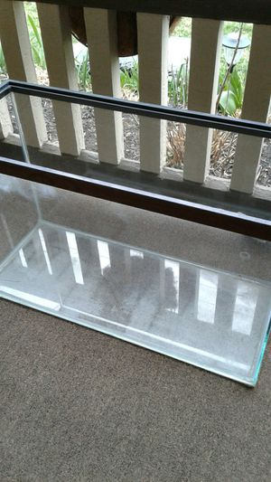 fish tank. 30x15. $20 OBO for Sale in Pittsburgh, PA