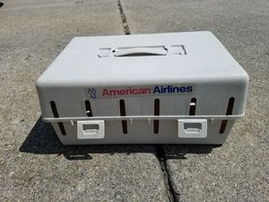 Vintage American Airlines Cat / Dog Crate for Sale in Livonia, MI