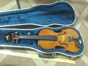 Viola - 14 inch 1975 Roth Student Viola with case for Sale in Nashville, TN