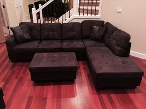 Dark brown sectional couch on sealed original packaging with ottoman and two pillows NEW never used, Never open the box Delivery for Sale in Vancouver, WA