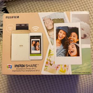 FUJIFILM INSTAX PRINTER (GOLD) for Sale in Queens, NY