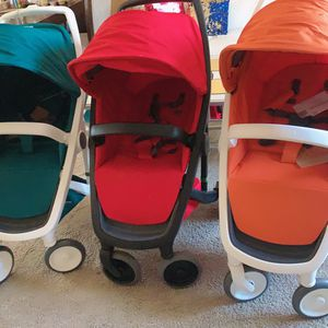 🔥GREENTOM LIGHT AND STRONG STROLLERS BLACK/WHITE FRAME 🔥 for Sale in Charlotte, NC