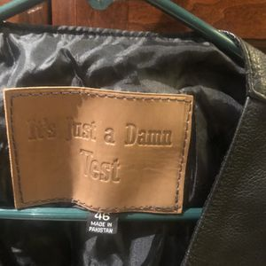 MEN'S Leather Vest for Sale in Fresno, CA