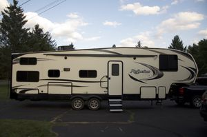 2018 Grand Design 290BH Reflection 150 Series easy to tow 8200lbs for Sale in Holyoke, MA