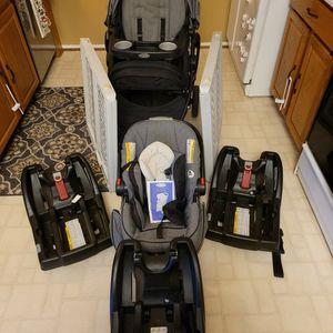 Graco Stroller, Baby Carrier, Carseat Bases, & Baby Gates for Sale in Groveport, OH