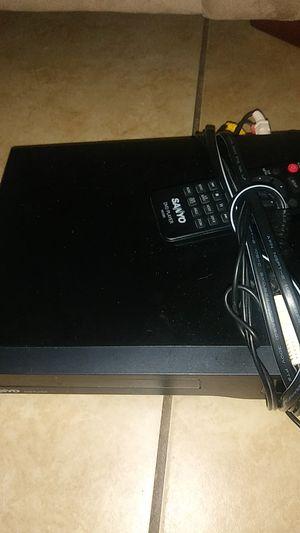 Dvd player w remote for Sale in Clovis, CA