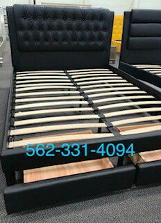 Black Faux Leather calking/king bed with Drawers , Mattress Included, Con Colchon for Sale in Fresno, CA