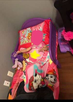 Purple and pink girls toddler bed for Sale in Rocheport, MO