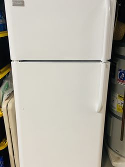 Refrigerator. (Frigidaire) for Sale in Vancouver,  WA