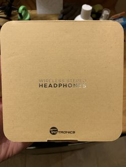 Wireless Bluetooth Magnetic Headphones - NIB for Sale in Aurora,  IL