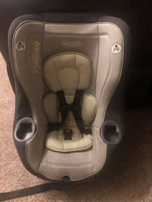 Graco car seat rear facing 5-40 pounds forward facing 22-65 pounds for Sale in Redlands, CA