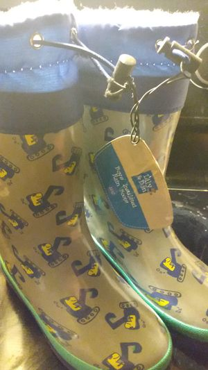 Rain Boots 11/12 kids for Sale in Chesnee, SC