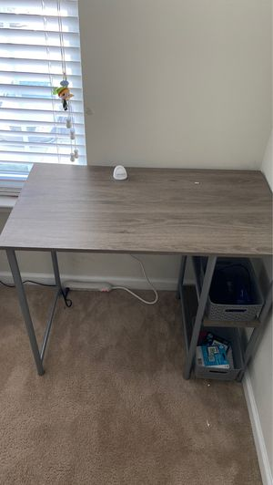Small desk for Sale in Spartanburg, SC