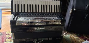 Roland Fr-8x digital accordion for Sale in Westland, MI